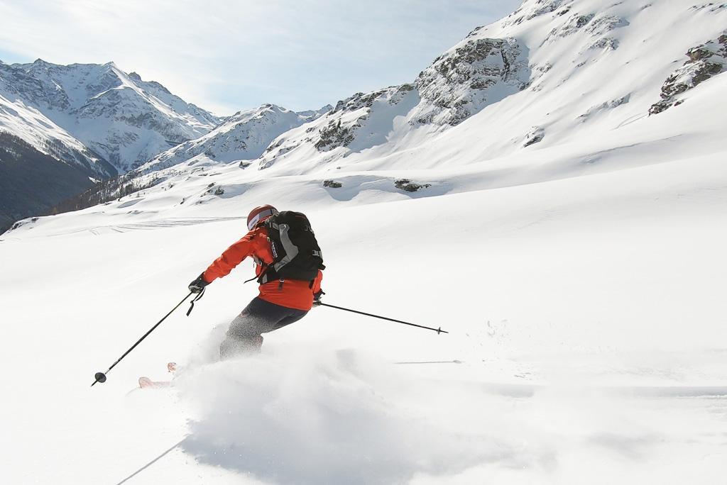 Freeriden diepe sneeuw