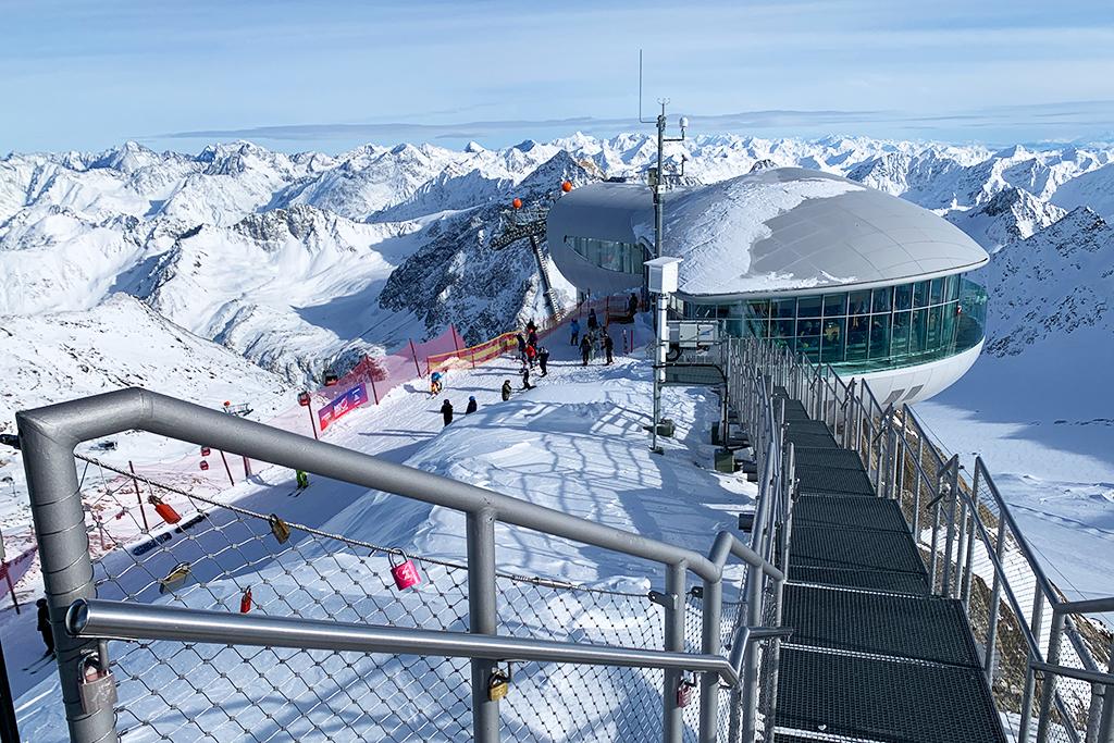 Uitzichtplatform Pitztaler Gletscher en Cafe 3440