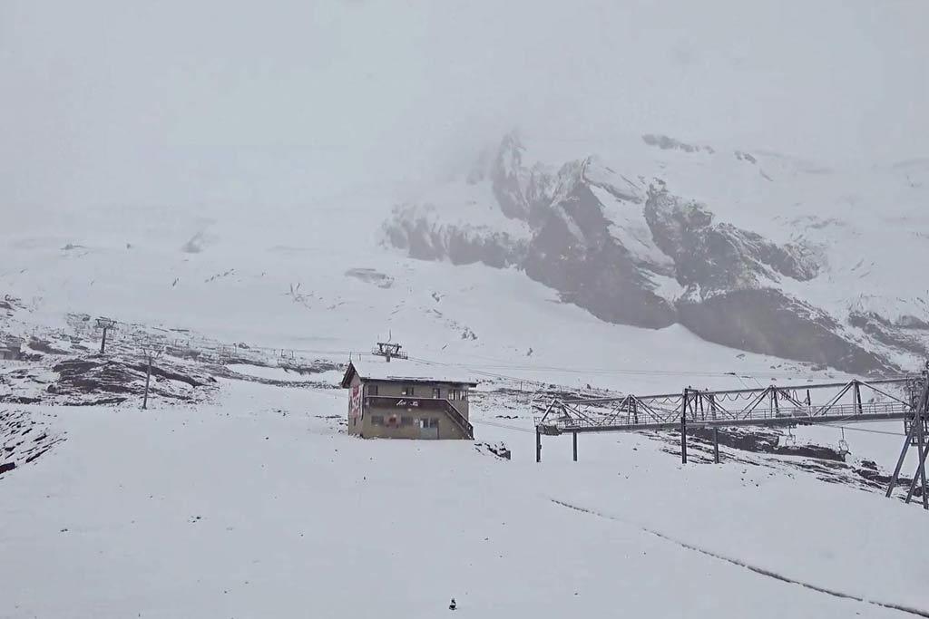 Saas-Fee sneeuw in juli