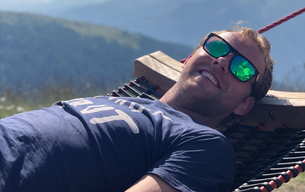Genieten op een ligbed in de bergen van Osttirol