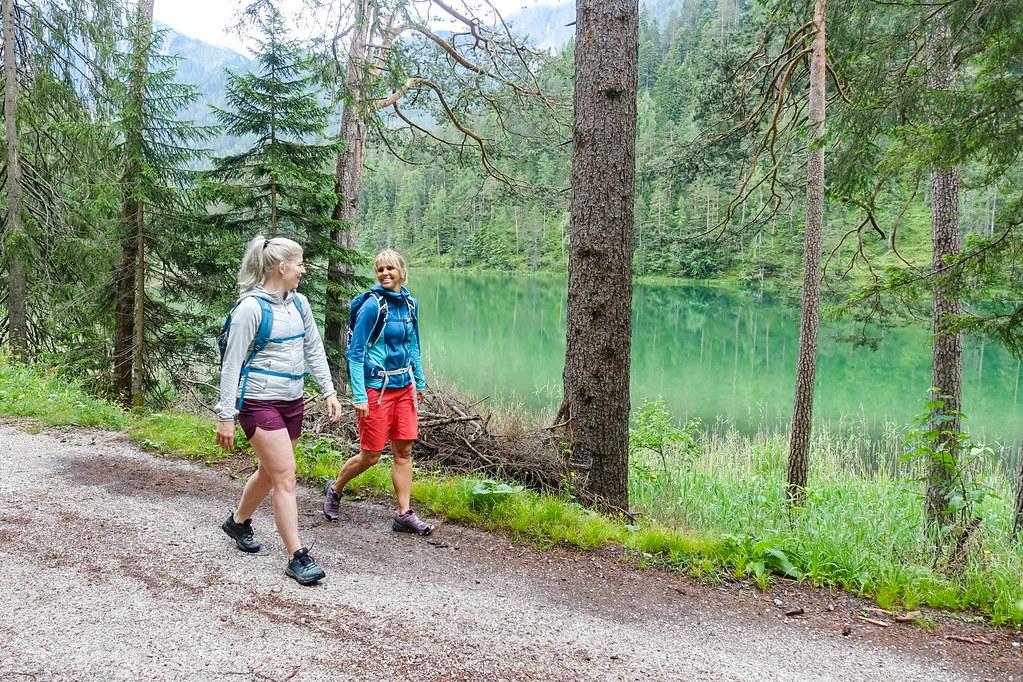 wandelen in de Tiroler Zugspitz Arena in Tirol