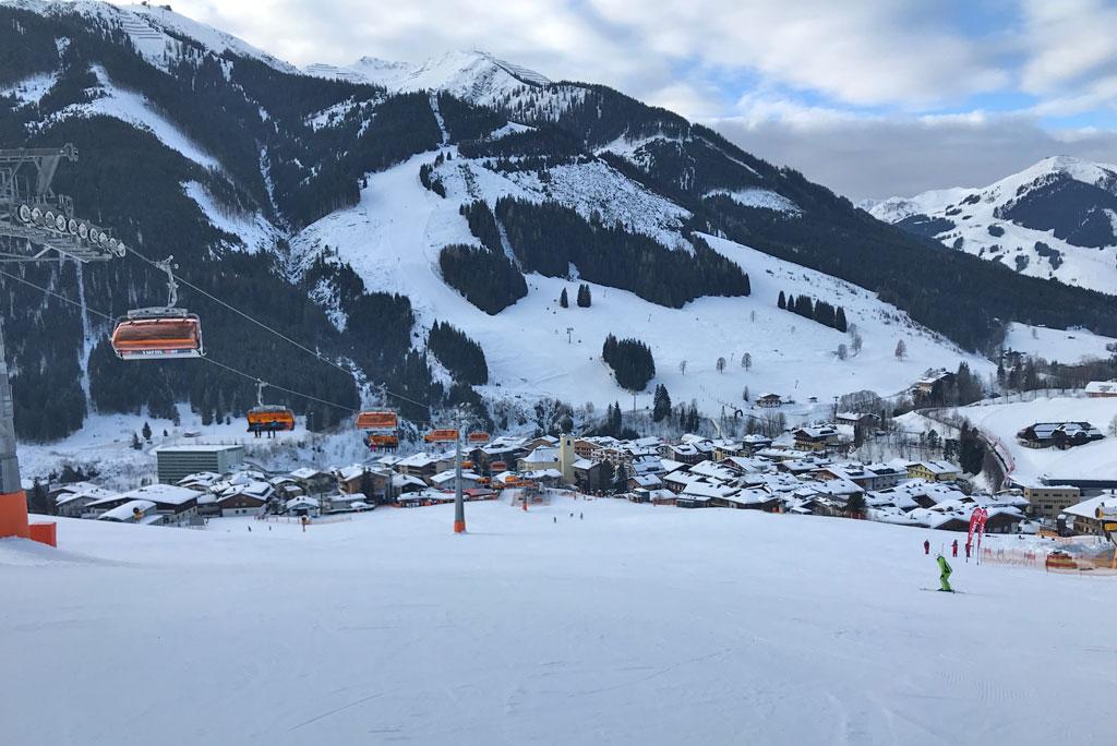 Blauwe piste Skicircus Saalbach Hinterglemm Leogang Fieberbrunn