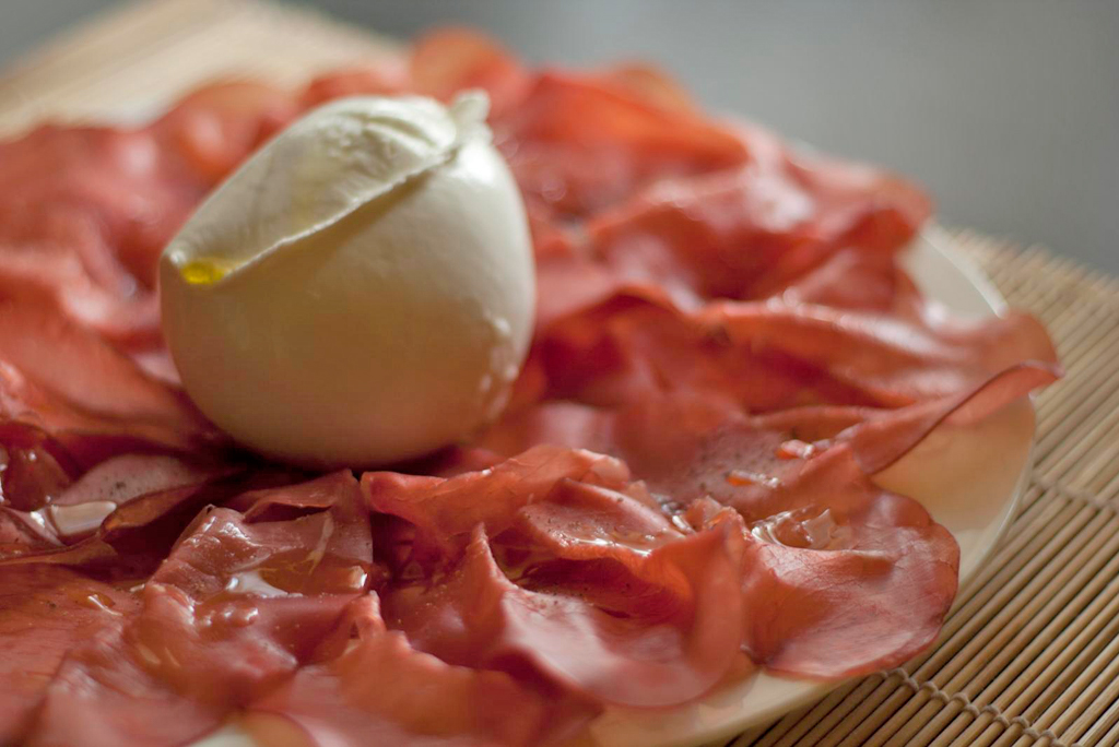 burrata with bresaola