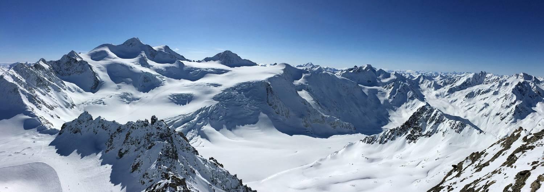 Pitztaler Gletscher, Skifahren mit Traumpanorama auf über 50 Gipfel über 3000m