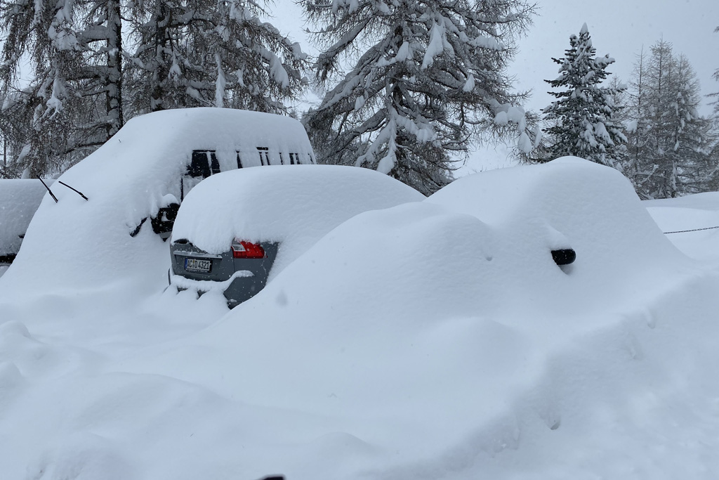 snowed-in cars
