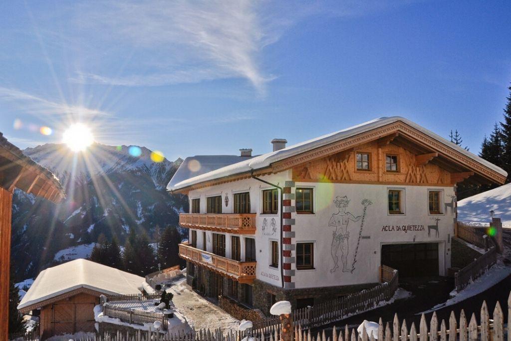 Sonnenschein und Berge am Ferienhaus Acla