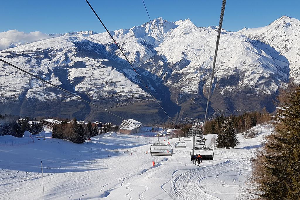 Mont Blanc 4 chairlift in Paradiski