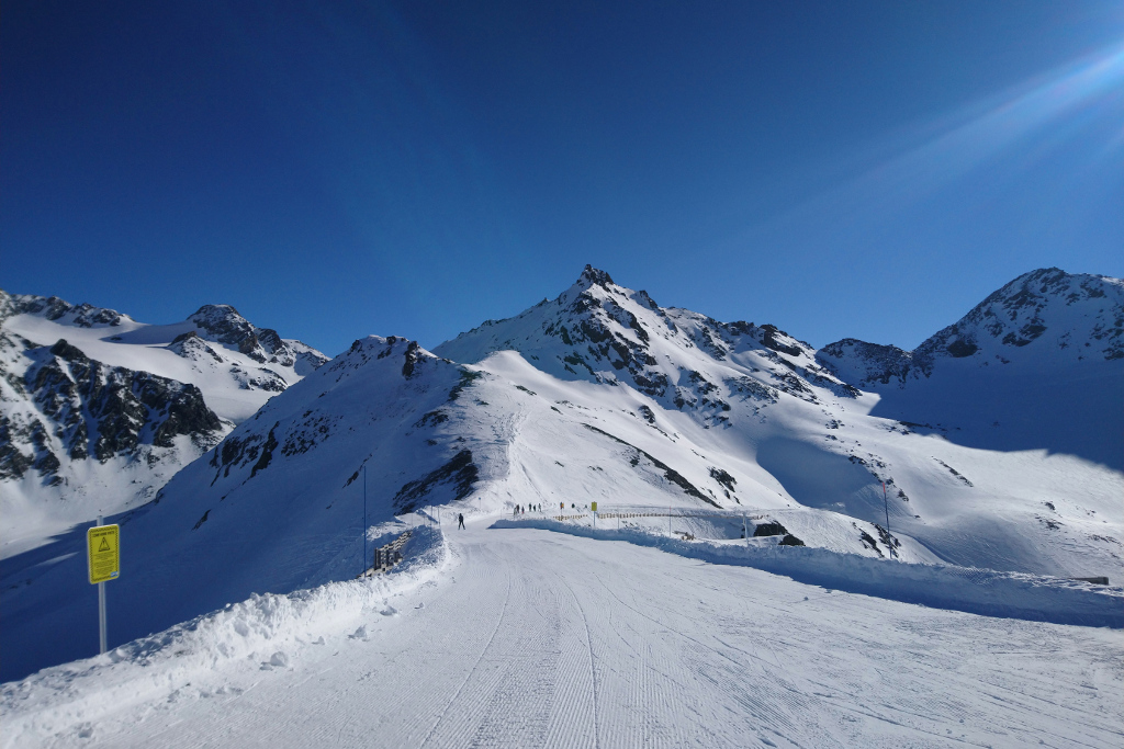 skiing to orelle from val thorens