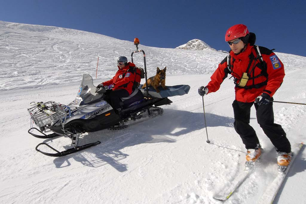 Bergrettung Skiurlaub Skipiste