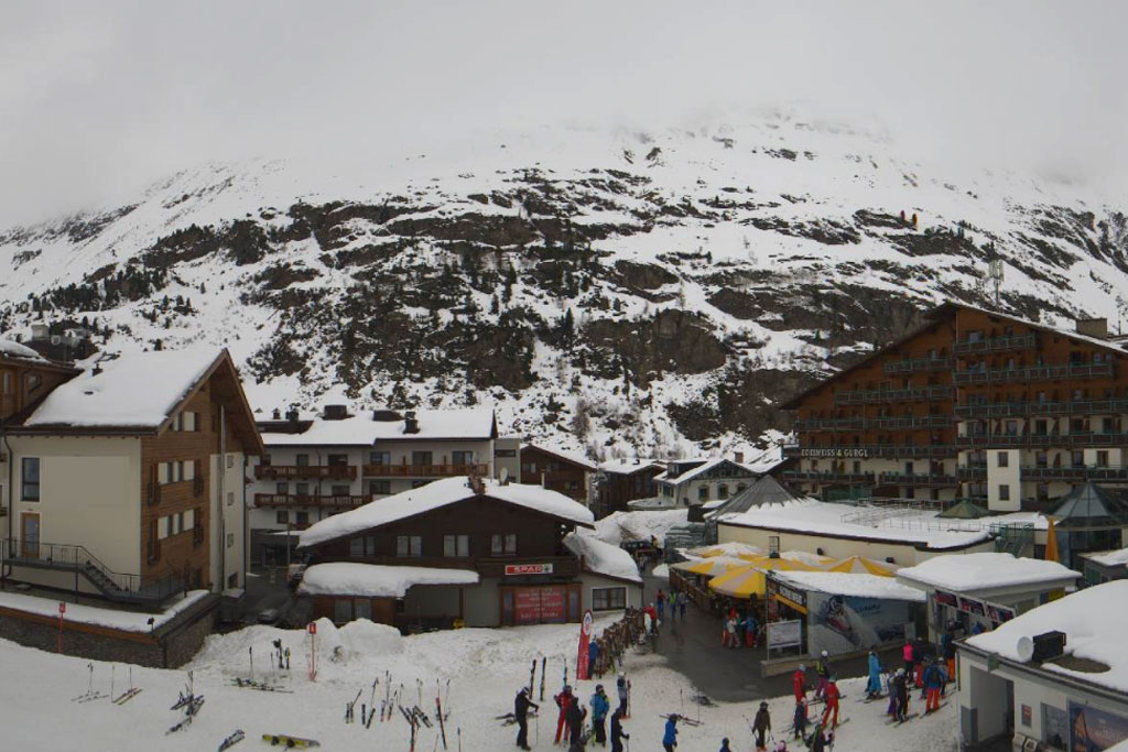 Cloudy Obergurgl during cold snap